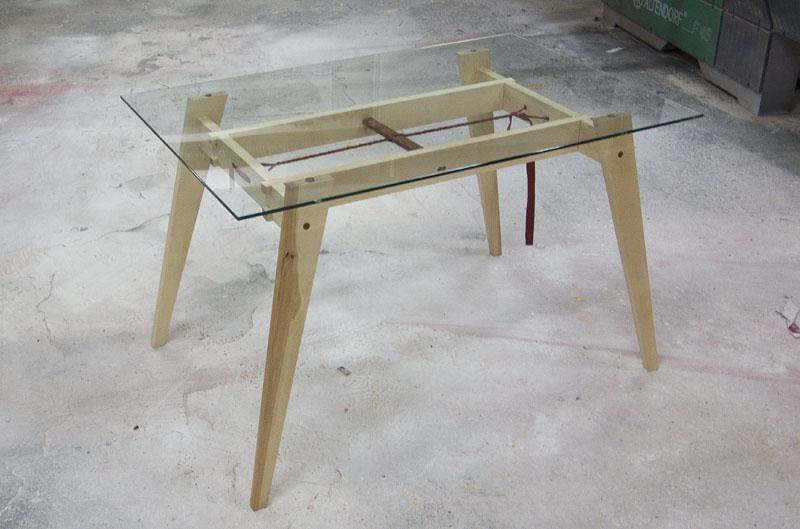 BerlinerSockel-glastisch-02